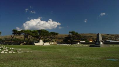 Συμμαχικό νεκροταφείο στo Μούδρο - ANZAC